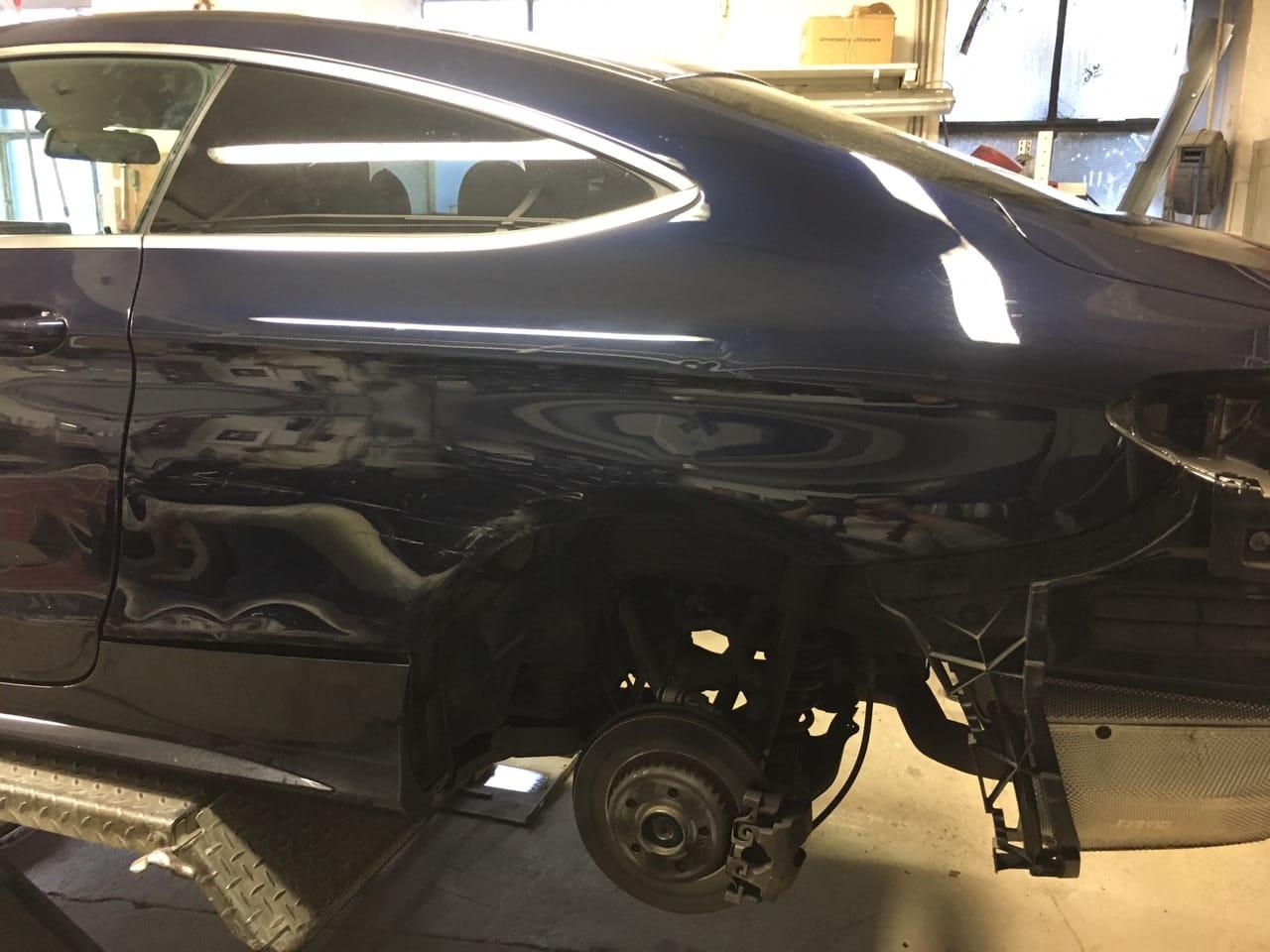 Mercedes Benz C-Coupe Seitenschaden